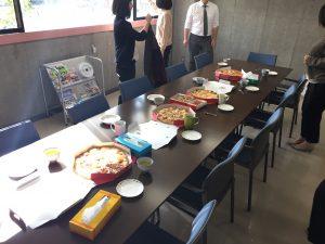 相模原・町田・八王子で自然素材の健康住宅を提供する相陽建設、2階でピザパーティーを開催しました