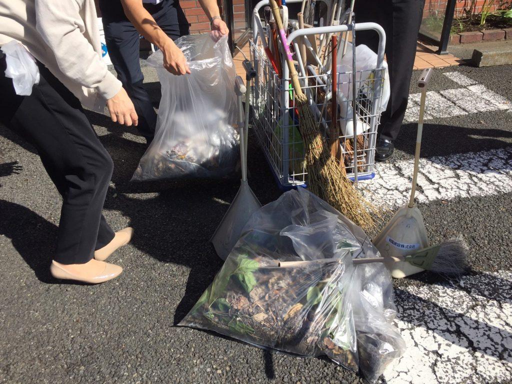 相模原市で自然素材の健康住宅を提供する相陽建設は、月に一度の地域清掃を実施しています